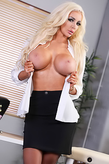 Nicolette Shea Massaged On The Job